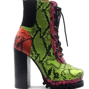 Lace Up Faux Snakeskin Pattern Tie Booties Sz 8